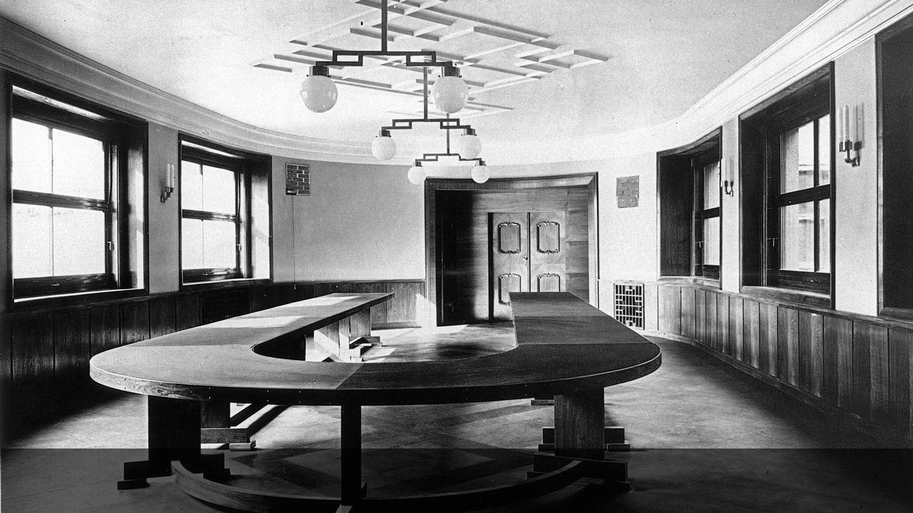 Konferenztisch © -, Archiv MK Wien